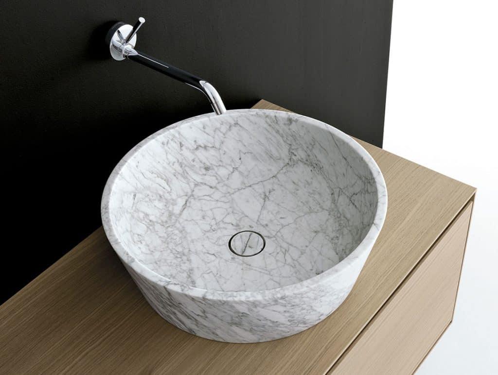 Sign Kono Waschbecken aus Naturstein